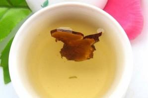 Зеленый чай с грибом рейши - фото шаг 3