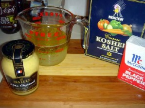 Овощной салат с креветками и лимоном - фото шаг 15