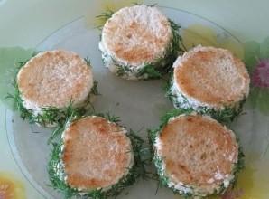 Бутерброды с красной икрой - фото шаг 2