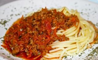 Спагетти под соусом болоньезе - фото шаг 6