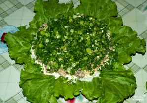 Рыбный салат из консервов с рисом - фото шаг 9