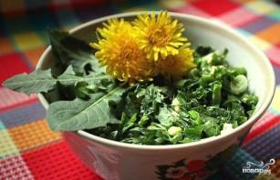 Салат из одуванчиков и крапивы - фото шаг 3