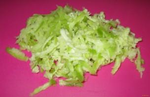 Салат с редькой и курицей - фото шаг 1