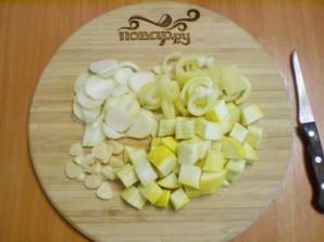 Курица с картошкой и овощами в мультиварке - фото шаг 2