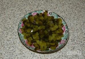 Салат из кальмаров с соленым огурцом - фото шаг 4