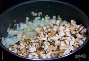 Ракушки с курицей и грибами - фото шаг 2