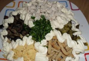 Салат с грибами маринованными - фото шаг 2