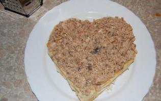 Закусочный торт из слоеного теста - фото шаг 6