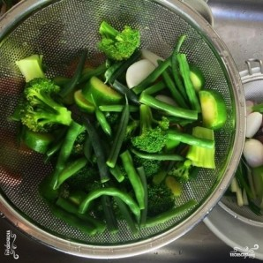 Тушеные овощи с лимоном, зеленью и сливочным маслом - фото шаг 6