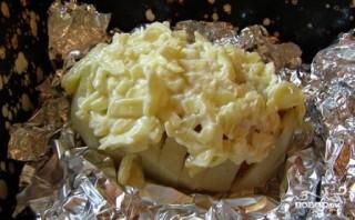 Картошка с колбасой и сыром в духовке - фото шаг 6