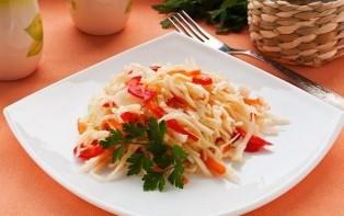 Маринованная капуста с морковью - фото шаг 7
