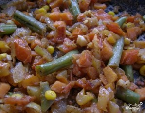 Кальмары, фаршированные рисом и овощами - фото шаг 6