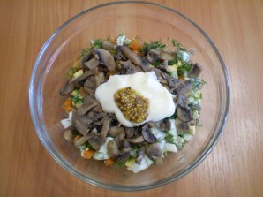 Салат с картошкой и грибами - фото шаг 5