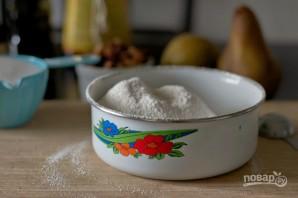 Кекс с фундуком и грушей - фото шаг 1