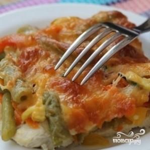 Куриный стейк под овощами и сыром - фото шаг 8