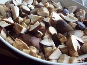Тушеная картошка с грибами и сметаной - фото шаг 2