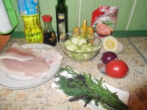 Кабачки с рыбой в духовке - фото шаг 1
