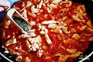 Куриное рагу с помидорами и луком - фото шаг 7