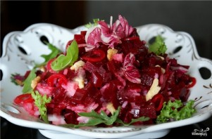 Салат из красной свёклы - фото шаг 6