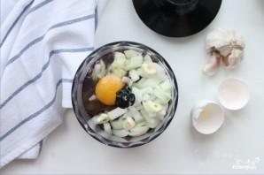 Печеночные оладьи с чесноком - фото шаг 3