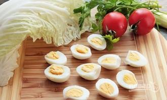 Салат из печени трески с яйцом - фото шаг 4