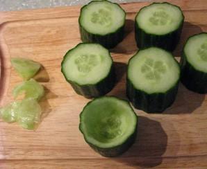 Салат с ветчиной и огурцами - фото шаг 6