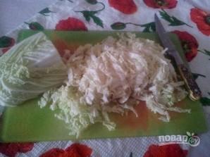 Cалат из китайской капусты с сухариками - фото шаг 3
