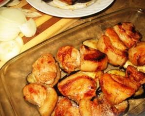 Свинина, запеченная с баклажанами в духовке - фото шаг 4