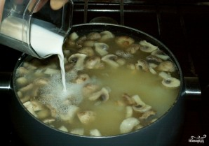 Грибной суп из шампиньонов замороженных - фото шаг 4