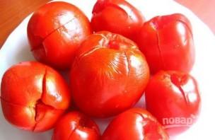 Малосольные помидоры с чесноком и зеленью - фото шаг 5