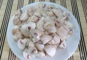 Курица жареная с грибами шампиньонами - фото шаг 2