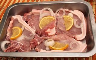 Мясо с медом в духовке - фото шаг 1