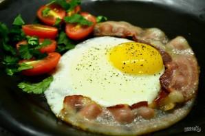 Яйца с беконом на завтрак - фото шаг 3