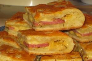 Пирог с колбасой и сыром - фото шаг 8