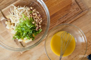 Салат из сельдерея корневого - фото шаг 4