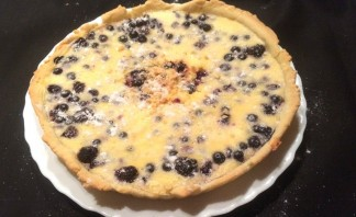 Черничный пирог со сметанной заливкой - фото шаг 7