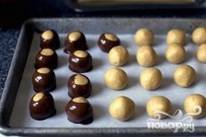 Арахисовые шарики в глазури - фото шаг 5