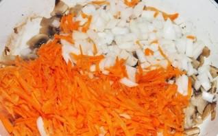 Кабачки, фаршированные грибами и рисом - фото шаг 2