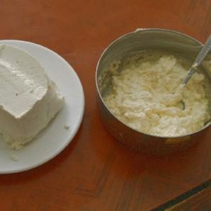 Пирожки с сыром и медом - фото шаг 2
