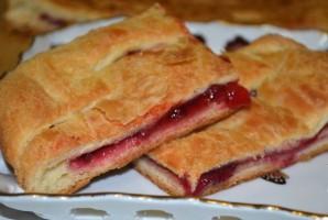 Брусничный пирог из дрожжевого теста - фото шаг 4
