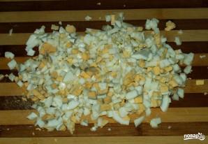 Салат с кукурузой и огурцом - фото шаг 4