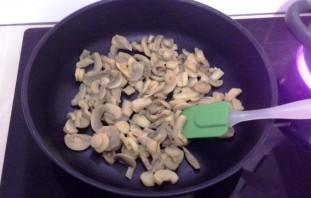 Паста с ветчиной и грибами в сливочном соусе - фото шаг 3