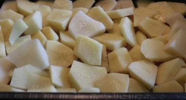 Куриные грудки с картошкой в духовке - фото шаг 3