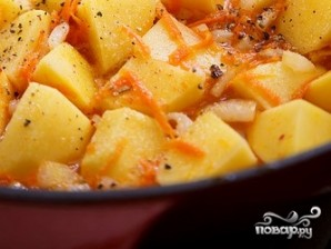Тушеная картошка в чугунке - фото шаг 3