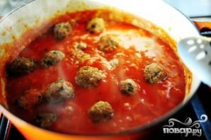 Спагетти с фрикадельками и соусом - фото шаг 5