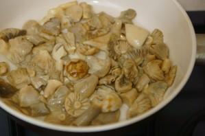 Жареные лесные грибы - фото шаг 3
