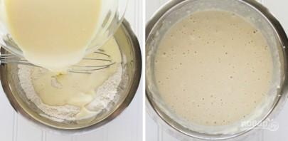 Оладьи на молоке и сметане - фото шаг 3