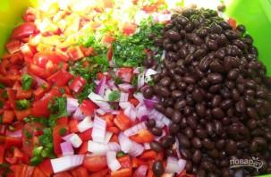Салат из фасоли и кукурузы  - фото шаг 3