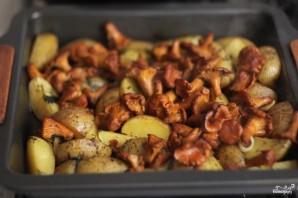 Картофель, запеченный с лисичками - фото шаг 7