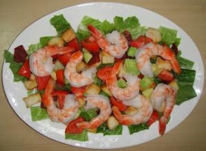 Клубный салат с креветками - фото шаг 5